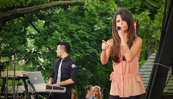 Selena-mdny
