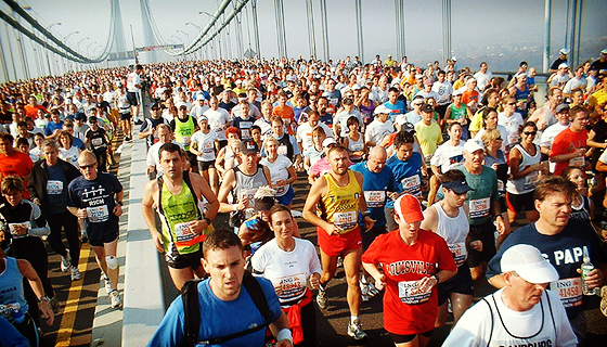 MDNY_800px-New_York_marathon_Verrazano_bridge