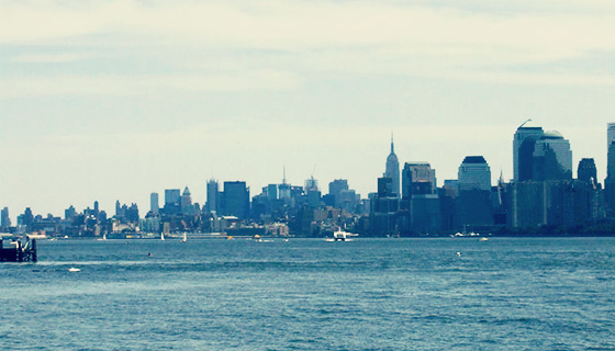 800px-0330New_York_City_Hudson_River
