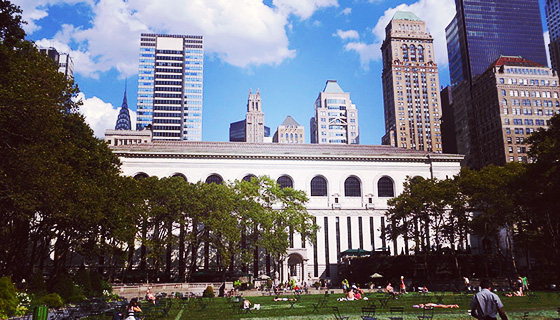 800px-2011-NYC-Bryant-Park-Library